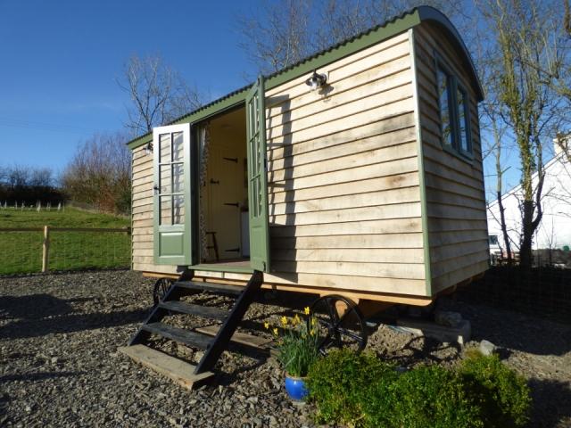 The Three Spaniels Shepherd's Hut